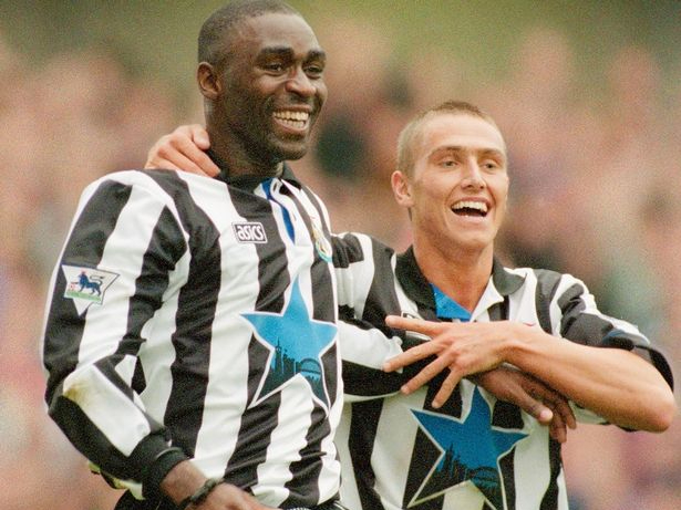 Andy Cole, Newcastle United, Home kit, Asics, 1993, Tyne Bridge